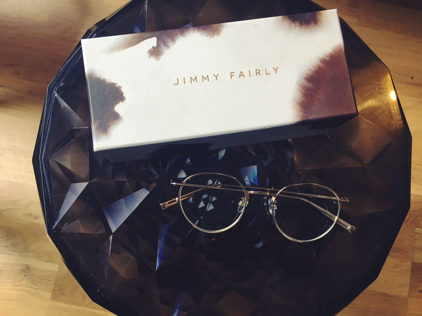 lunettes-monture-fine-metal-doree-or-agrent-jimmy-fairly-1
