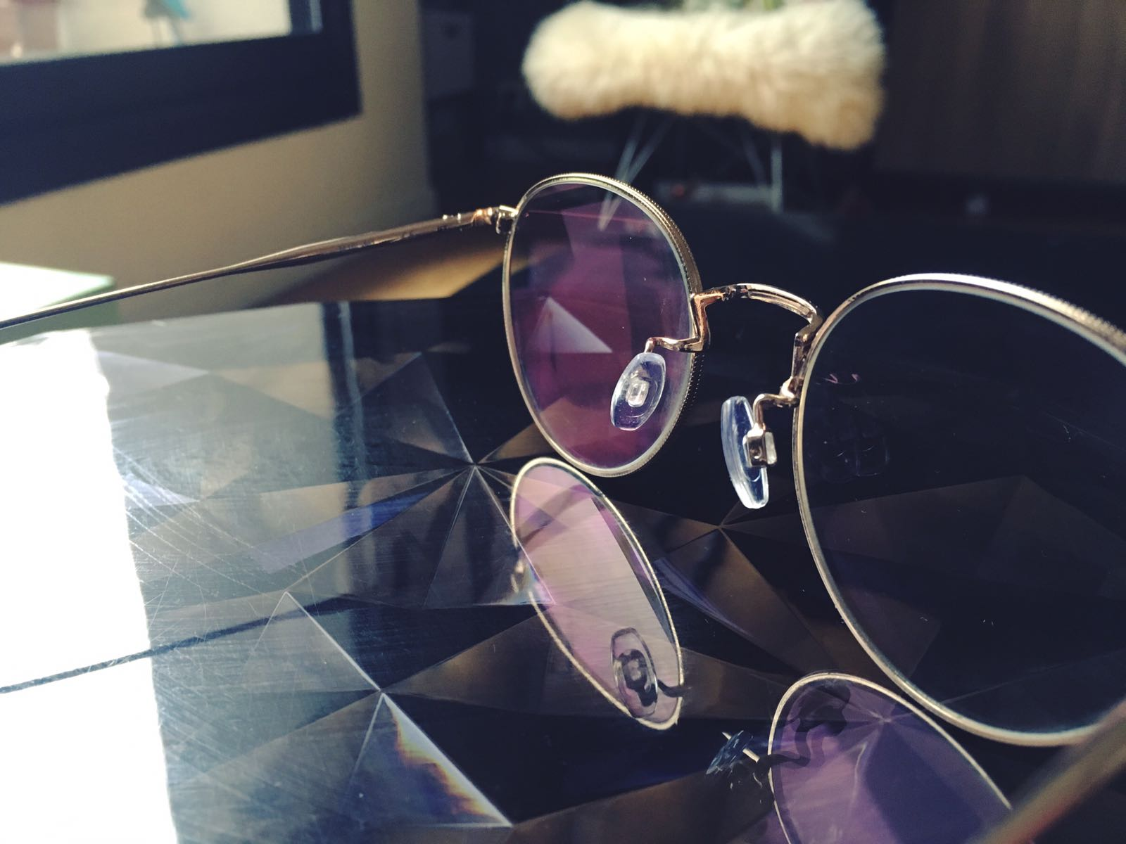 lunettes-monture-fine-metal-doree-or-agrent-jimmy-fairly-4